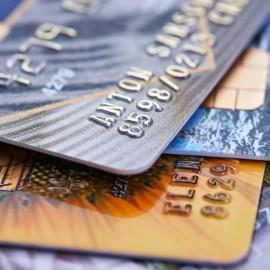 Молодежные банковские карты для подростков: прихоть или необходимость?